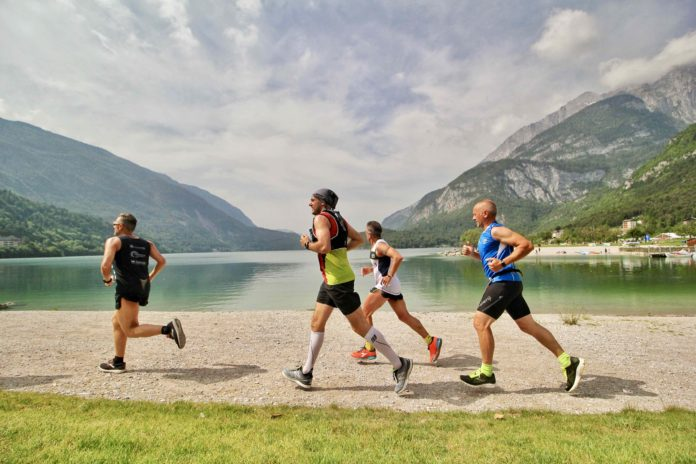 Atleti in gara alla Molveno Lake Running